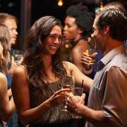 社会人が出会いを増やせる場所11選。異性と出会うきっかけの作り方とは? | Smartlog