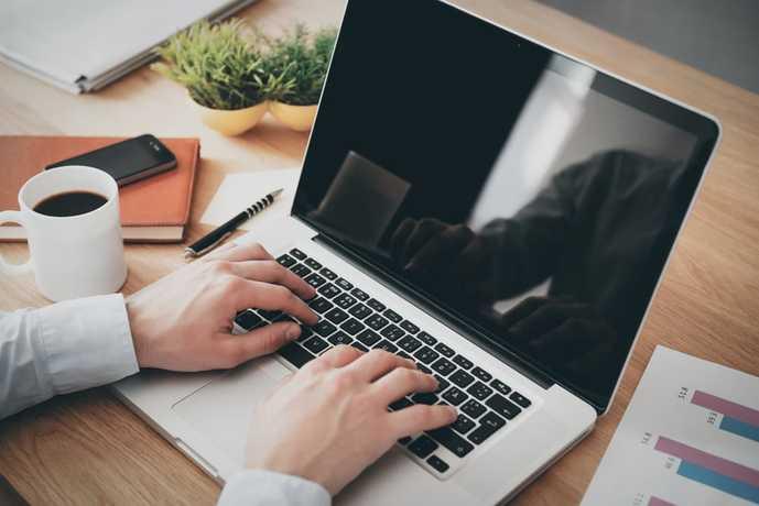ノートパソコンのおすすめを大公開