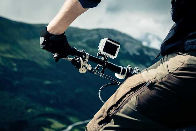 アクションカメラの人気機種をご紹介します