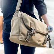 毎日使いたいメッセンジャーバッグのおすすめ15選。男性に人気のブランド特集 | Smartlog