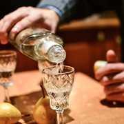 ウォッカの人気おすすめ銘柄15選。お酒初心者にも分かる選び方のコツまで解説! | Smartlog