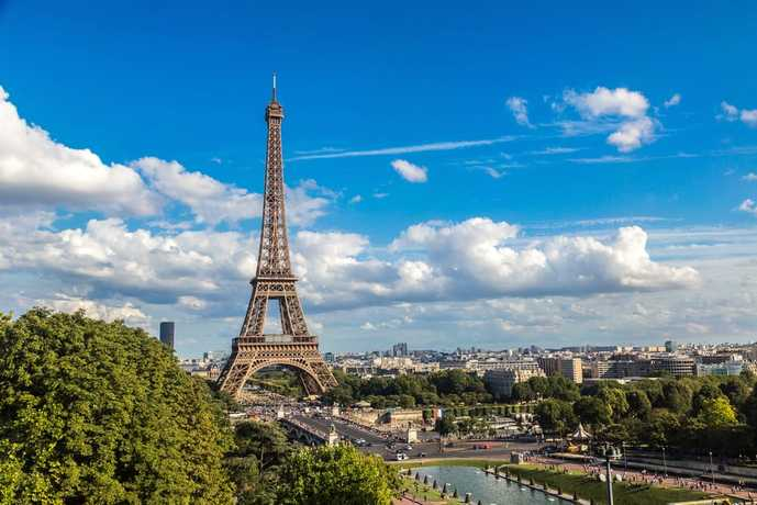 パリのおすすめの観光スポットにエッフェル塔