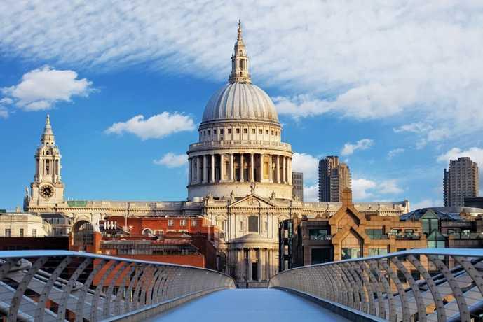 ロンドンのおすすめ観光スポットにセントポール大聖堂