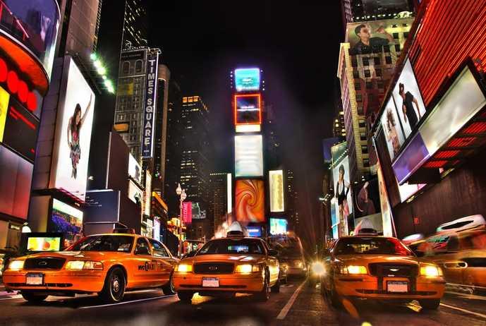 ニューヨークのおすすめ観光スポット「タイムズスクエア」
