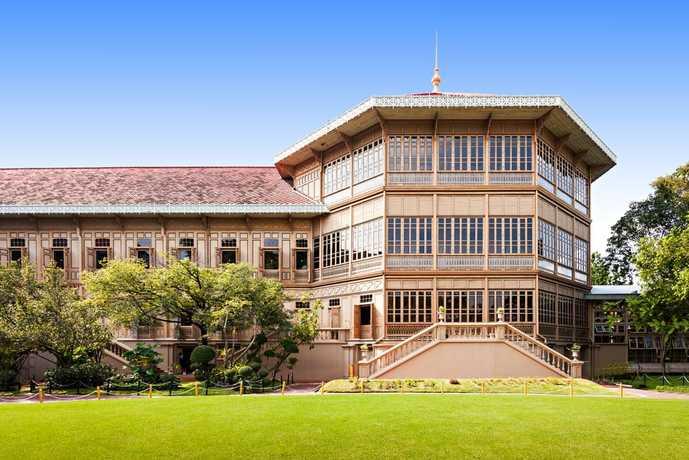 バンコクのおすすめ観光スポット「ウィマンメーク宮殿」