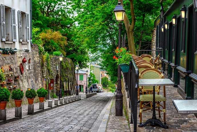 パリのおすすめの観光スポットにモンマルトンの丘