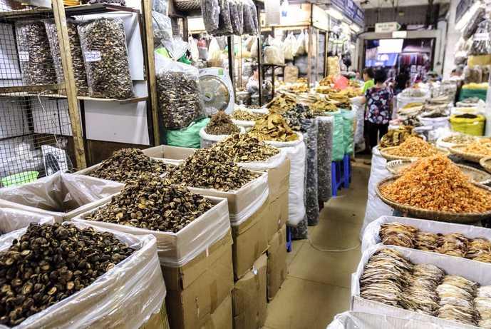 ベトナム・ハノイのおすすめ観光地「ドンスアン市場」