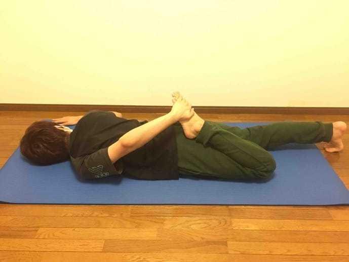 太もも前部(大腿四頭筋)の効果的なストレッチメニュー