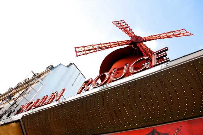 パリのおすすめの観光スポットにムーラン・ルージュ