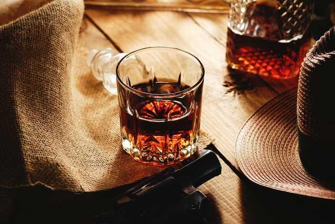 ウイスキーの飲み方「ストレート」