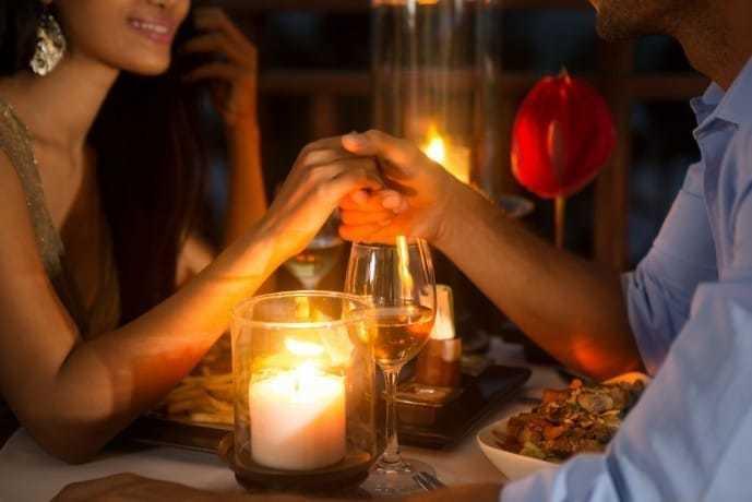 横浜の夜景をディナーと一緒に堪能してみて.jpg