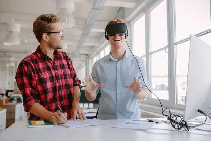 PC用VRゴーグル(VRヘッドマウントディスプレイ)の正しい選び方