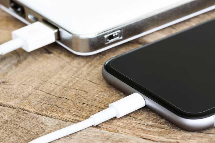 iPhoneユーザーにおすすめのモバイルバッテリーを大公開