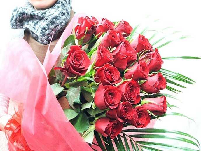 結婚記念日のプレゼントにバラの花束