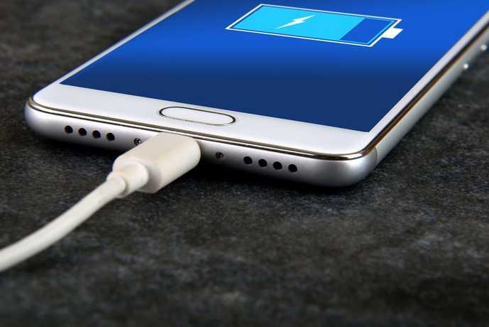 充電デバイスによってバッテリー容量を選ぶ