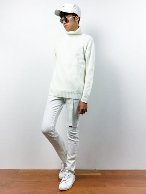 全身白で統一したメンズコーデ