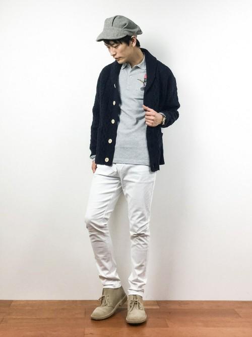 ホワイトデニムを取り入れたストリートファッション