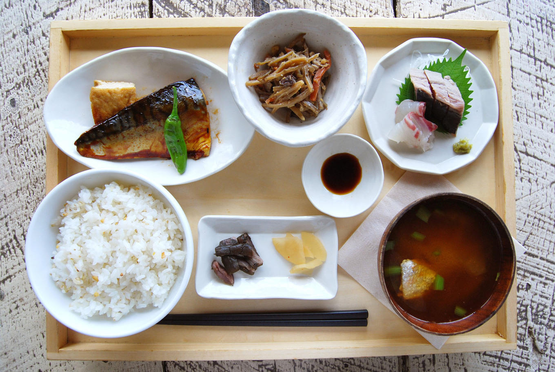 AtoZカフェのお魚定食
