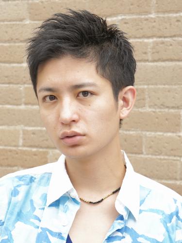 ソフトモヒカンツーブロック × 短髪ショート