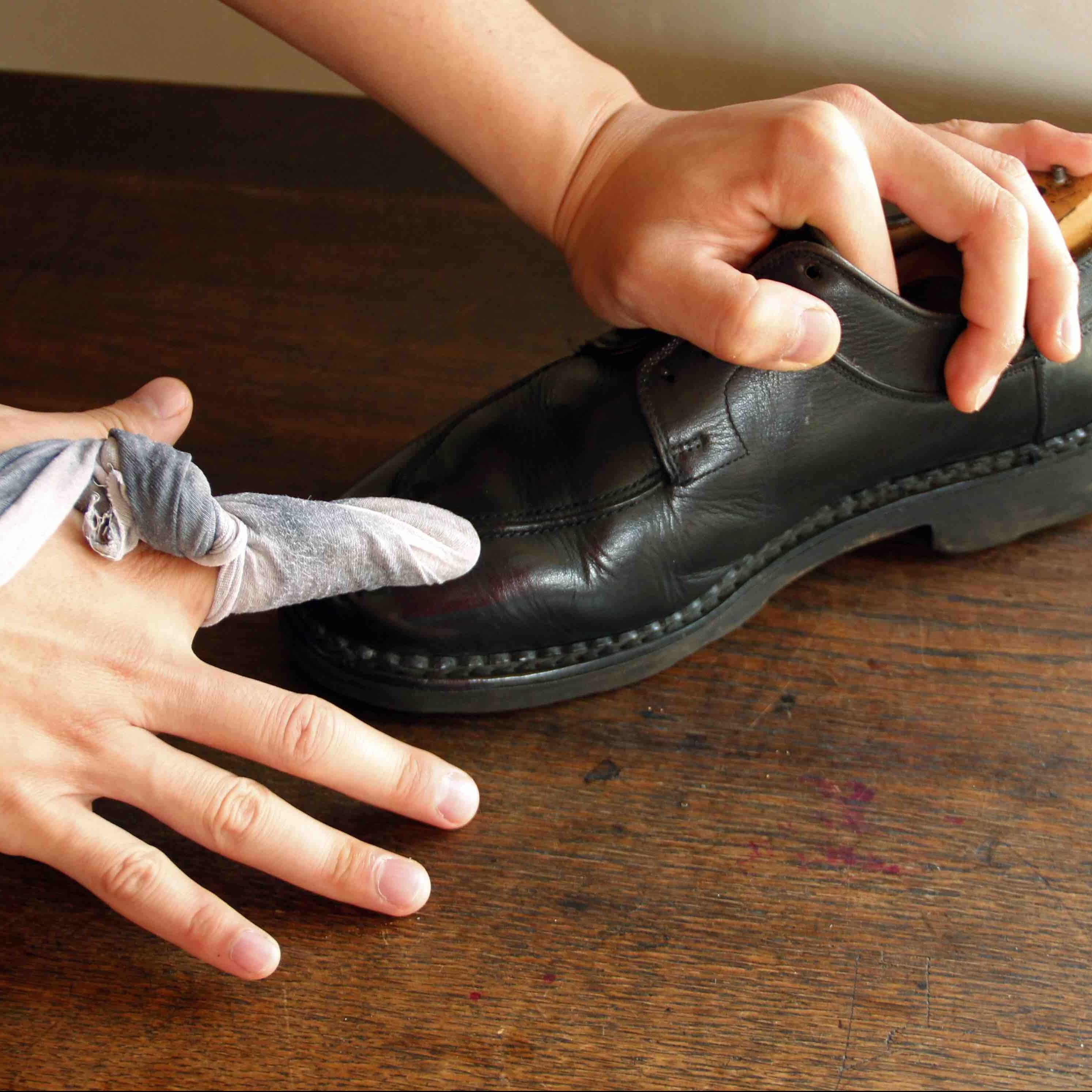 靴 磨き 手順