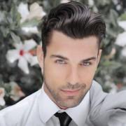 紳士の髪型決定版!オールバックの作り方 | Smartlog