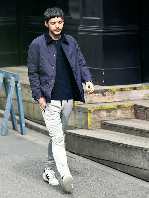 紺セーター