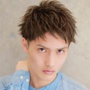 アッシュカラーの色落ち防止策&髪色別のメンズ髪型10種類 | Smartlog