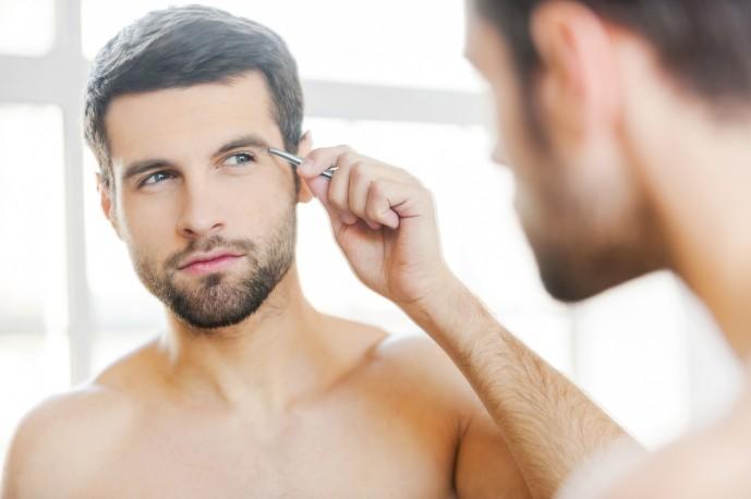 モテる男は眉毛が左右対称である