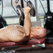 屈強な大胸筋を鍛えるデクラインダンベルフライのやり方&効果的なコツ | Smartlog