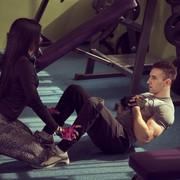 腹筋を引き締めるダンベルツイストの効果的なやり方【動画付き】 | Smartlog