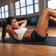 腹筋部位を鍛えられる「ロシアンツイストハイパー」の効果的なやり方 | Smartlog