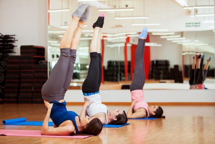 効果的に腹筋を刺激するレッグアップリフトのやり方