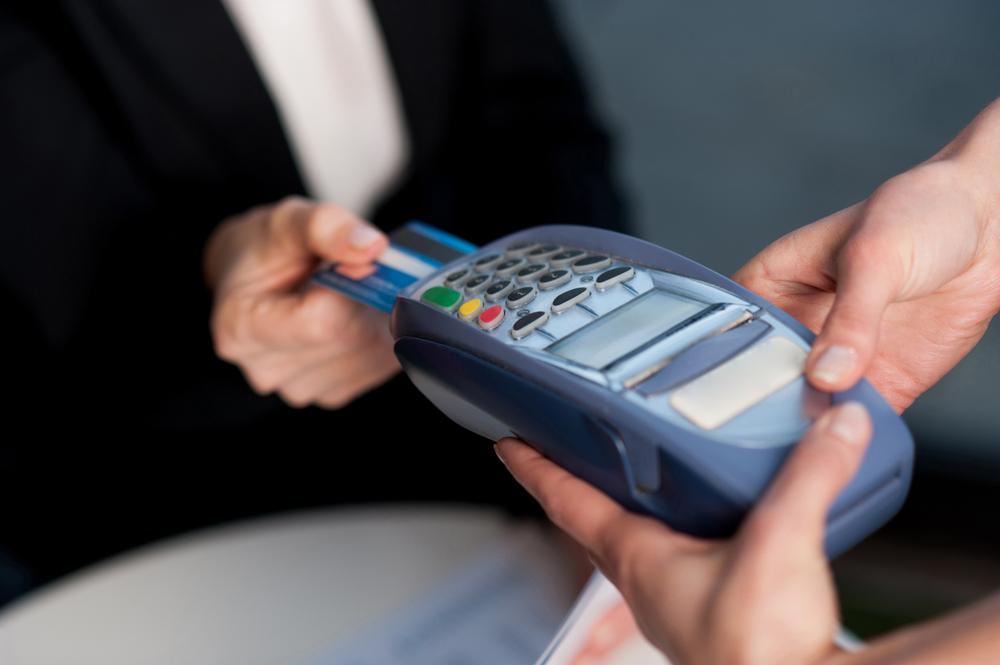 クレジットカードの賢い使い方1. 毎月の生活費(固定費)の支払い