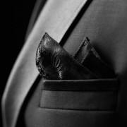 ポケットチーフの正しい折り方