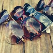 カラーレンズのサングラス