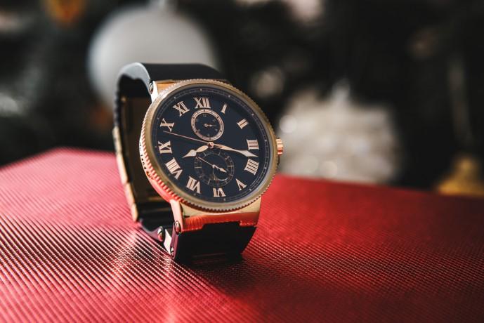 G-SHOCKの腕時計は無骨な男らしい
