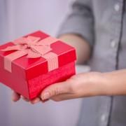 ホワイトデーは実用的な贈り物を。女性におすすめの美容家電3選 | Smartlog