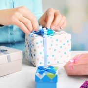 母の日&父の日はペアギフトで祝福。両親に贈りたい感謝の13品 | Smartlog