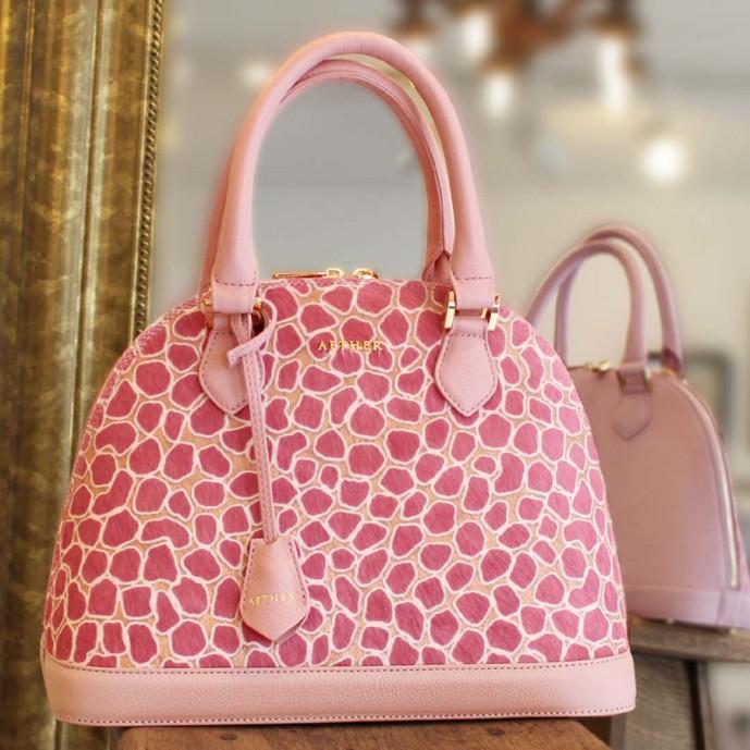 ホワイトデーのお返しにエーテル(ロゼ・ド・クール)のバッグのプレゼント
