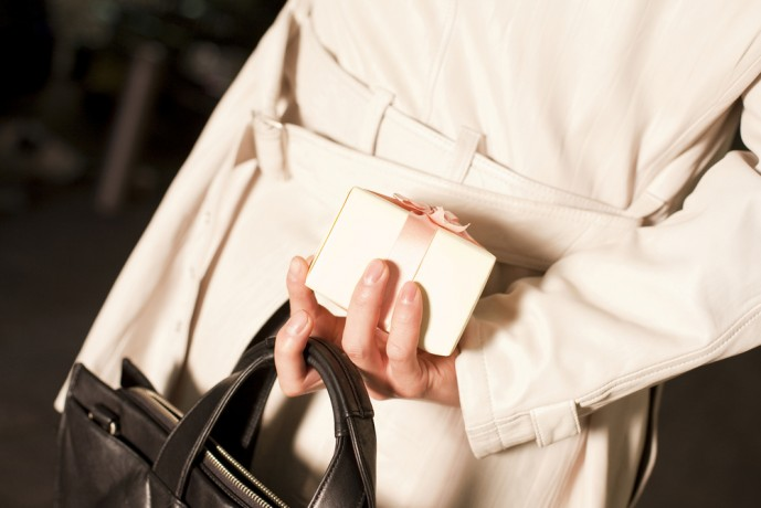 ホワイトデーのお返しにバッグのプレゼント