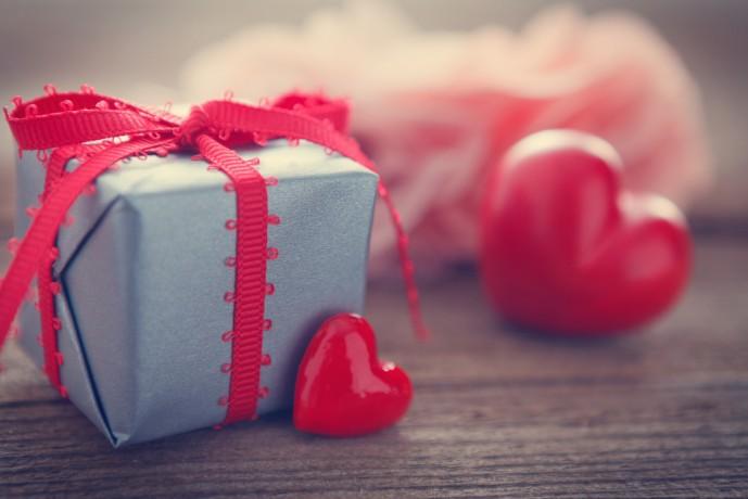 ホワイトデーに本命彼女へ贈りたいお返しプレゼント