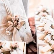 結婚祝いのカタログギフトおすすめ13選。夫婦にも人気の体験型プレゼントとは | Smartlog