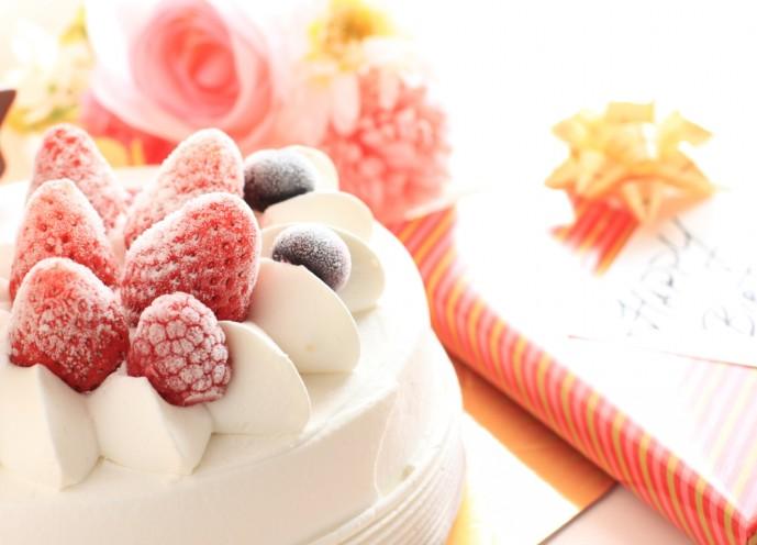 母の日のプレゼントにケーキの贈り物を