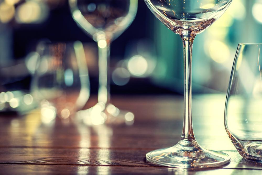 表参道のオシャレカフェでワイン