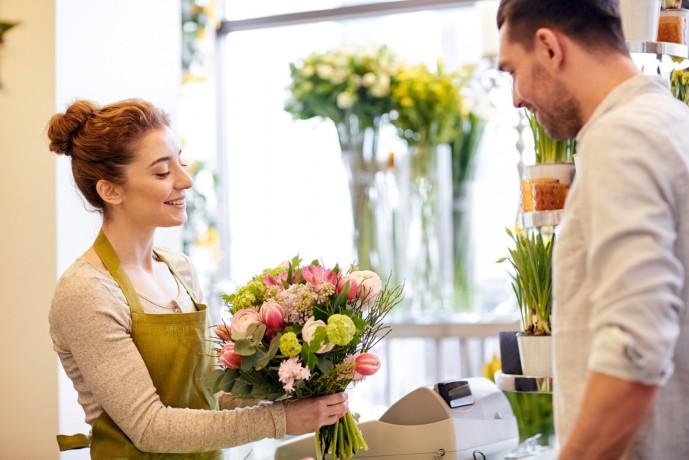 ホワイトデーに贈る花の予算や値段の相場