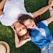 思わず心を開いてしまう。女性が一緒にいて落ち着く男性の6つの特徴 | Divorcecertificate