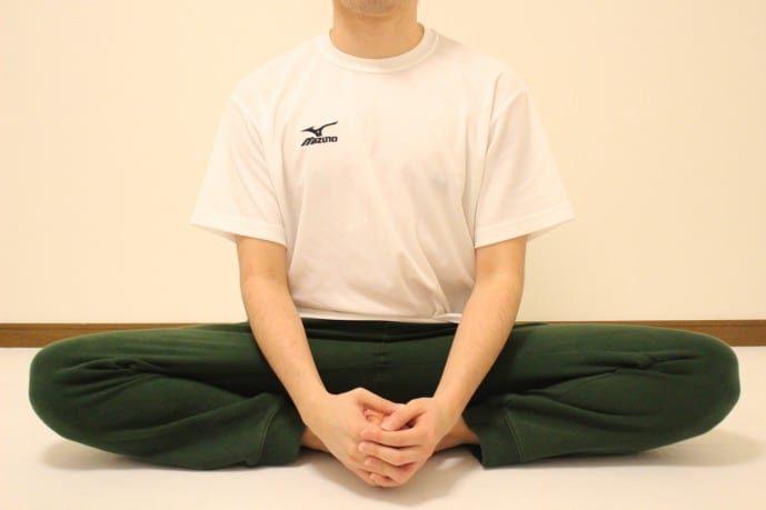 股関節の柔軟ストレッチ