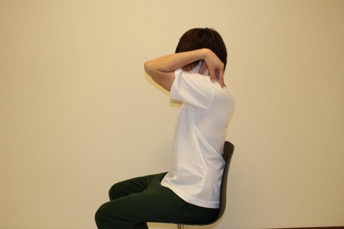 肩の柔軟ストレッチ